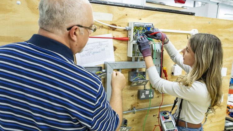 Electrical Installation apprentice